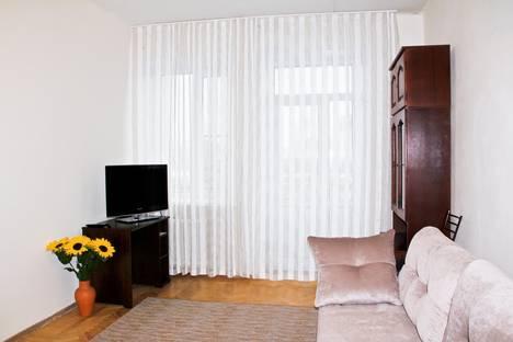 Сдается 2-комнатная квартира посуточнов Екатеринбурге, Воеводина 4.