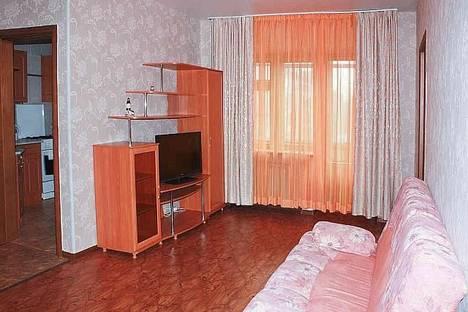 Сдается 2-комнатная квартира посуточнов Екатеринбурге, Первомайская 35.