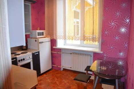 Сдается 3-комнатная квартира посуточно в Новокузнецке, ул. Куйбышева, 10.