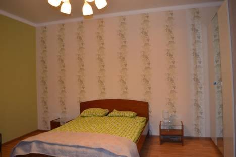 Сдается 1-комнатная квартира посуточно в Новочеркасске, ул. Фрунзе 54 (р-н Собор).