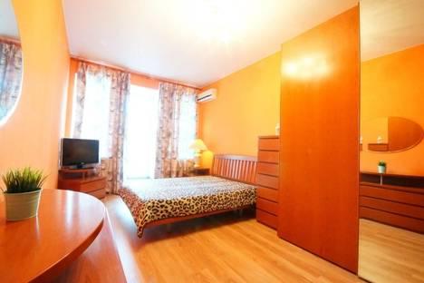 Сдается 1-комнатная квартира посуточнов Санкт-Петербурге, ул. Коломенская, 3.