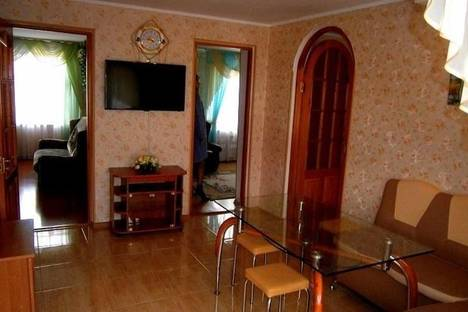 Сдается 4-комнатная квартира посуточно, Квартал Б дом 23.