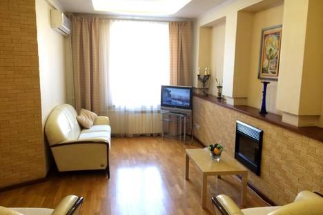 Сдается 3-комнатная квартира посуточно в Челябинске, ул. Тимирязева д. 28.