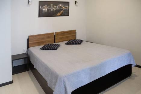 Сдается 1-комнатная квартира посуточно, ул. Горбатова, 3.