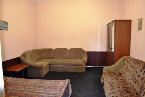 Сдается 1-комнатная квартира посуточно в Алупке, ул.Фрунзе 11 кв 2.