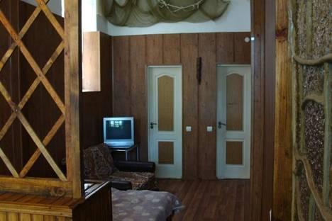 Сдается 1-комнатная квартира посуточно в Алупке, ул.Фрунзе 11 кв4.