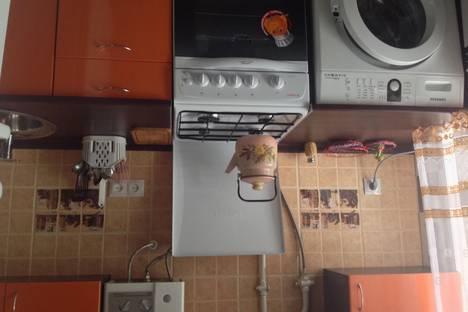 Сдается 2-комнатная квартира посуточнов Чехове, Ул.Ильича, 30.