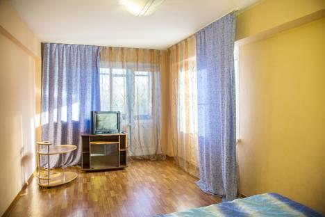 Сдается 1-комнатная квартира посуточно в Красноярске, ул. Александра Матросова, 9.