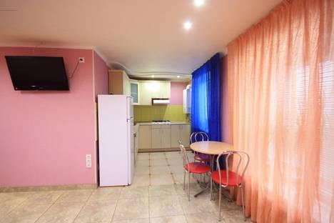 Сдается 2-комнатная квартира посуточно в Луганске, ул. 15-я Линия 17.