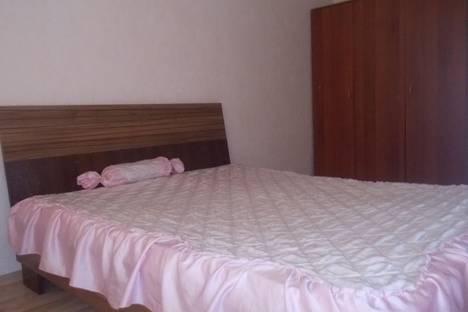 Сдается 2-комнатная квартира посуточно в Улан-Удэ, ул. Тобольская, 73.
