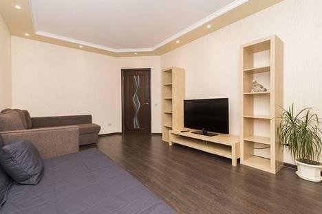 Сдается 2-комнатная квартира посуточнов Екатеринбурге, ул. Союзная, 8.