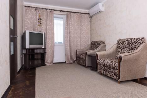 Сдается 3-комнатная квартира посуточно в Сочи, улица Лазарева, 52.