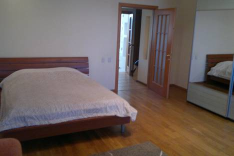 Сдается 1-комнатная квартира посуточнов Ярославле, Ленина 18/50.