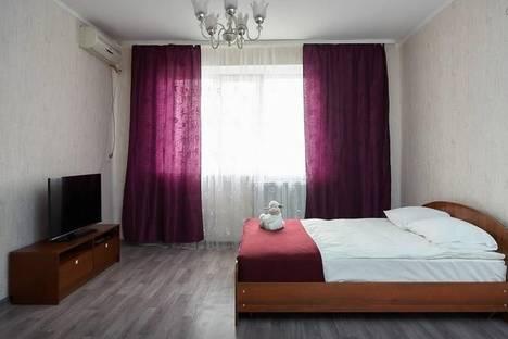 Сдается 1-комнатная квартира посуточнов Азове, ул. Лермонтовская, 11.