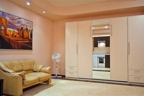 Сдается 2-комнатная квартира посуточнов Омске, Куйбышева 101.