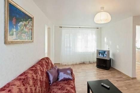 Сдается 2-комнатная квартира посуточнов Ревде, Екатеринбург, Гаринский переулок, д. 4.
