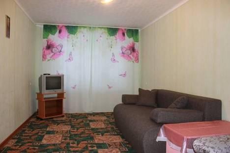 Сдается 2-комнатная квартира посуточно в Усть-Илимске, ул. Героев Труда, 25.