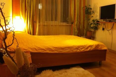 Сдается 2-комнатная квартира посуточно в Курске, ул. Карла Маркса, 72/21.