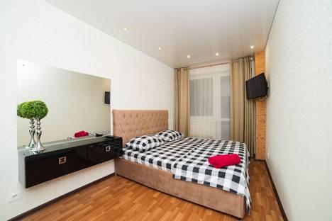Сдается 2-комнатная квартира посуточно в Челябинске, ул. Молодогвардейцев, 38а.