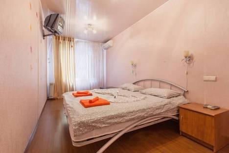 Сдается 2-комнатная квартира посуточно в Казани, ул. Ахтямова, 32.