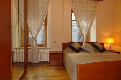 Сдается 2-комнатная квартира посуточно в Санкт-Петербурге, наб. реки Фонтанки 85.