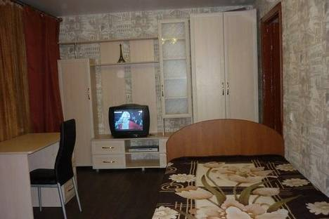 Сдается 1-комнатная квартира посуточно в Нижнем Тагиле, ул. Карла Либкнехта, 17.