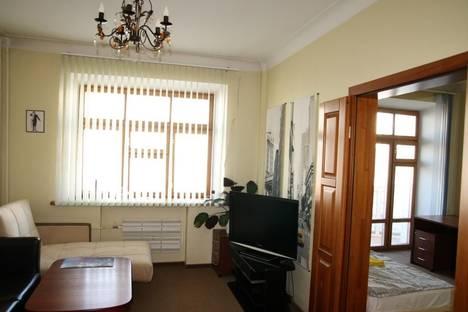 Сдается 2-комнатная квартира посуточнов Екатеринбурге, проспект Ленина 36.