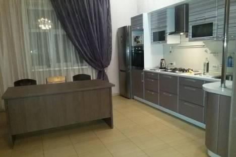 Сдается 2-комнатная квартира посуточнов Оренбурге, ул. Есимова, 3.