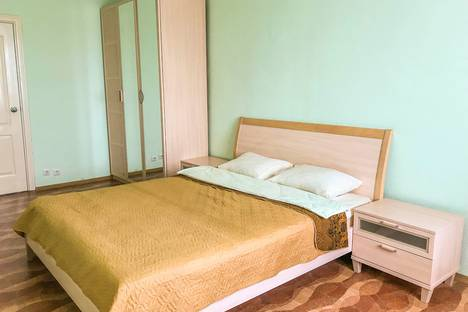 Сдается 2-комнатная квартира посуточно в Нижневартовске, Нефтяников 37.