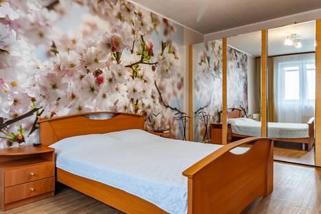Сдается 2-комнатная квартира посуточно, Ленина 7к2.