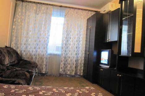 Сдается 1-комнатная квартира посуточнов Керчи, Свердлова 26.