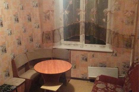 Сдается 2-комнатная квартира посуточнов Омске, Всеволода Иванова 13/6.