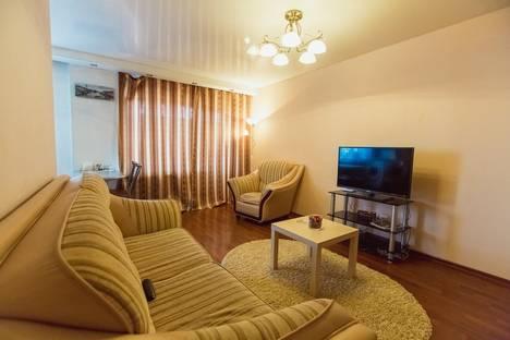 Сдается 2-комнатная квартира посуточнов Нефтекамске, проспект Комсомольский, 21А.