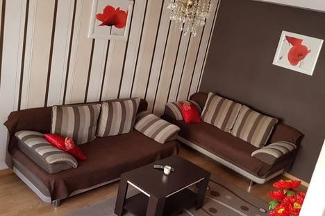 Сдается 2-комнатная квартира посуточно в Минске, ул. Якуба Коласа, 8.