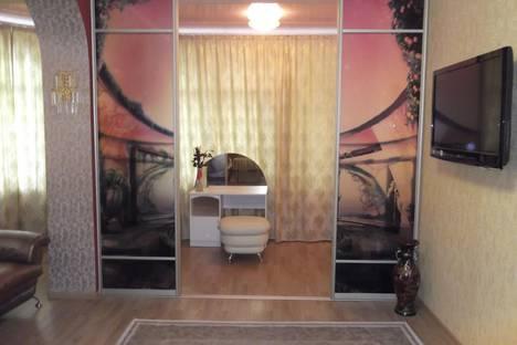 Сдается 2-комнатная квартира посуточнов Сочи, ул. Дмитриевой, 5.