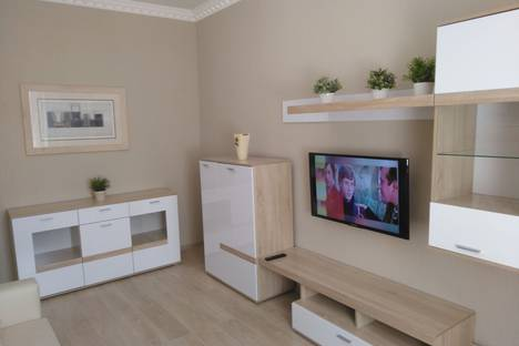 Сдается 2-комнатная квартира посуточно в Севастополе, Большая Морская улица, д. 7.