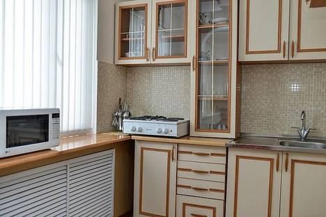 Сдается 2-комнатная квартира посуточно в Караганде, Ерубаева 33.