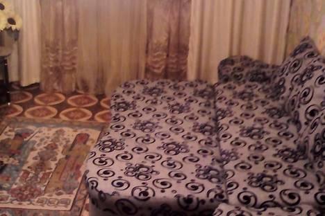Сдается 2-комнатная квартира посуточно в Караганде, ул. Муканова дом 6.