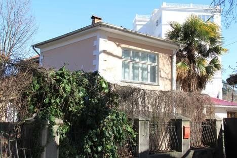 Сдается коттедж посуточнов Ливадии, Крым,12 переулок Батурина.