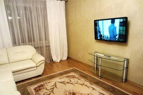 Сдается 2-комнатная квартира посуточнов Казани, Амирхана 5.