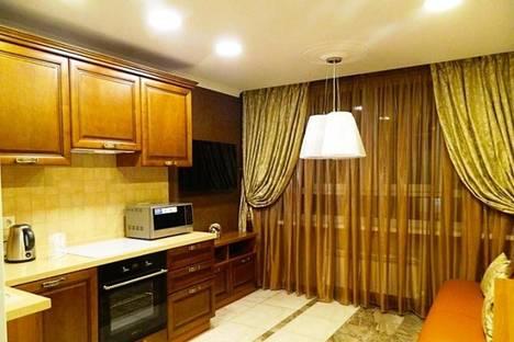 Сдается 2-комнатная квартира посуточнов Казани, Амирхана 13.