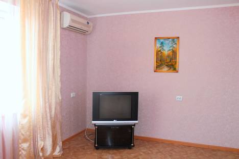 Сдается 2-комнатная квартира посуточно в Благовещенске, Амурская 270.
