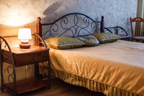 Сдается 2-комнатная квартира посуточно в Казани, ул. Сибгата Хакима 41.