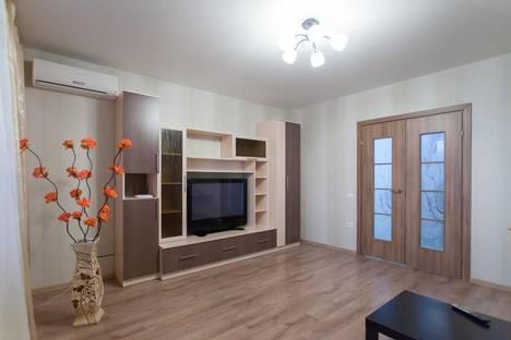 Сдается 1-комнатная квартира посуточно в Челябинске, ул. Монакова 33.