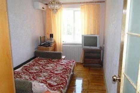 Сдается 2-комнатная квартира посуточно в Алупке, сурикова 18.