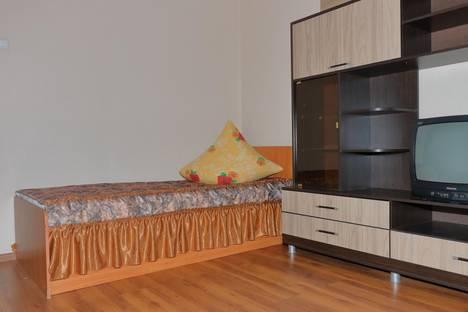 Сдается 2-комнатная квартира посуточно в Магнитогорске, проспект Ленина, 142/2.