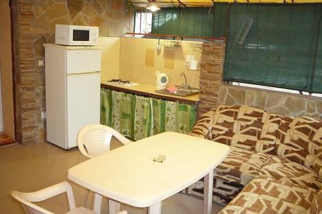 Сдается 1-комнатная квартира посуточно в Новом Свете, ул. Голицына,11.