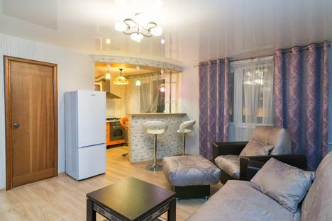Сдается 2-комнатная квартира посуточнов Екатеринбурге, ул. Азина 39.
