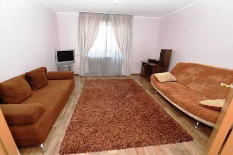 Сдается 3-комнатная квартира посуточно в Тюмени, ул. Николая Семенова 21.