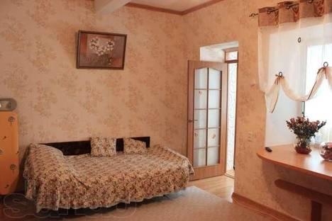 Сдается 2-комнатная квартира посуточно в Алупке, Розы Люксембург, 36.